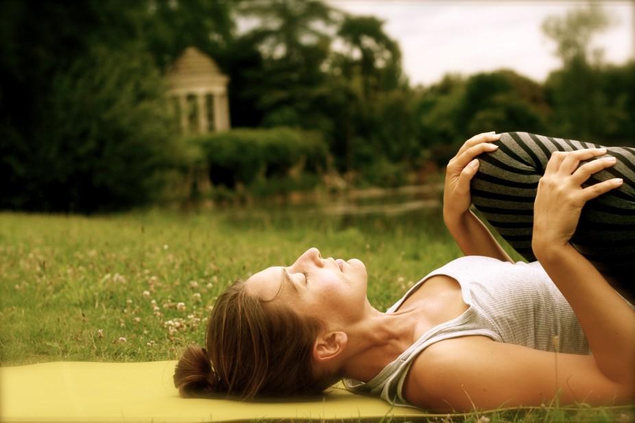 Relaxation du dos avec Elodie Yoga à Paris et Boulogne Billancourt